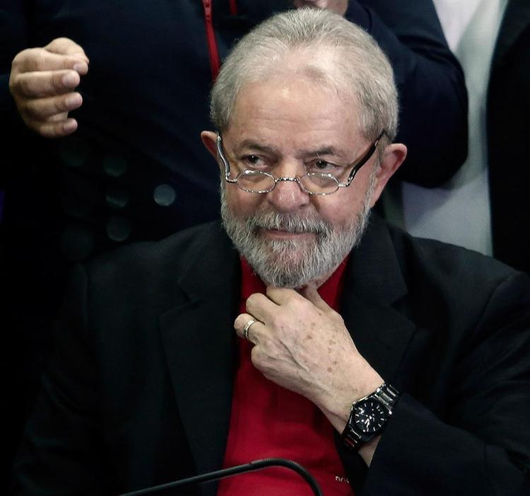Liberdade de Lula está garantida pelo menos até 4 de abril, quando o Supremo Tribunal Federal (STF) vai analisar um habeas corpus preventivo - Foto: Miguel Schincariol l AFP