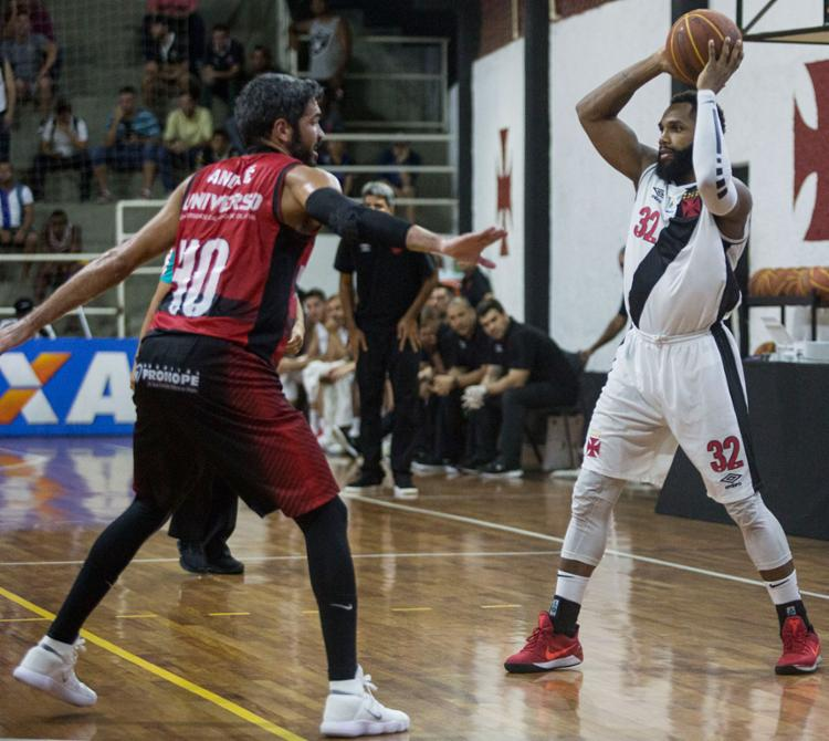 André (à esq.) foi o grande nome do Leão na partida - Foto: Thiago Moreira   CRVG   Divulgação