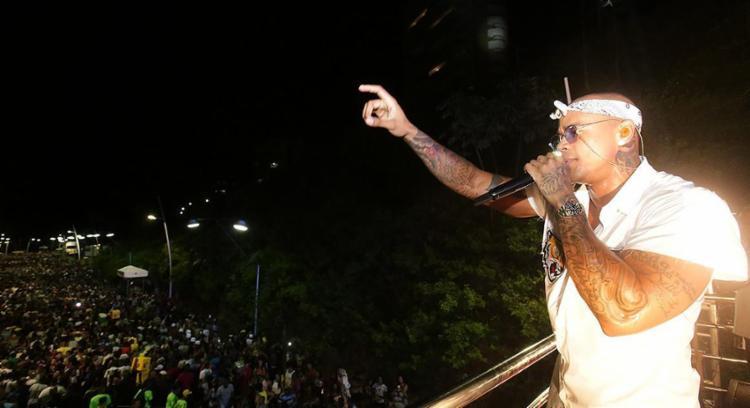 Léo Santana vai comandar o bloco na Barra - Foto: Mila Cordeiro l Ag. A TARDE