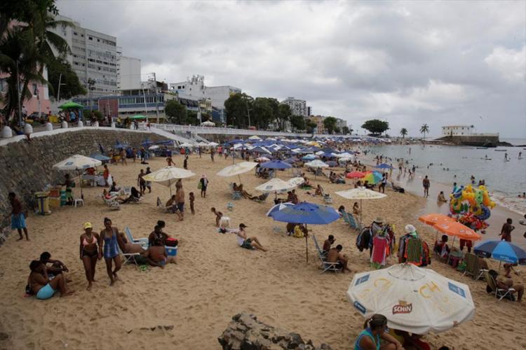 Farol é uma das praias que deve ser evitada neste domingo - Foto: Alessandra Lori   Ag. A TARDE