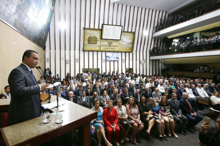 Protesto aconteceu durante discurso de Rui Costa - Foto: Manu Dias | Divulgação | GovBA