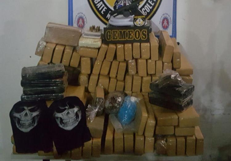 Com o suspeito, foi encontrado cerca de 300 kg de maconha, cocaína e crack - Foto: Divulgação | SSP-BA