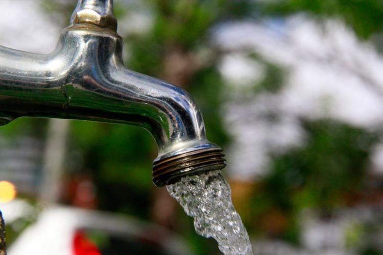Fornecimento de água deve ser normalizado em até 48 horas - Foto: Joá Souza | Ag. A TARDE