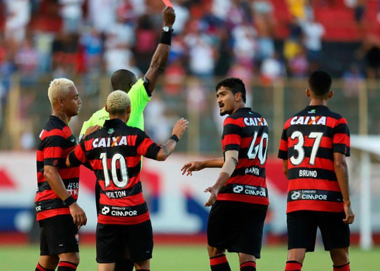 Em comemoração a decisão do TJD-BA, Vitória alfineta o Bahia - Foto: Adilton Venegeroles | Ag. A TARDE