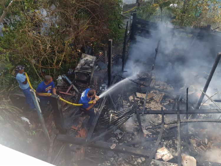 Imóvel ficou destruído e não há registro de feridos - Foto: Divulgação   Guarda Civil Municipal