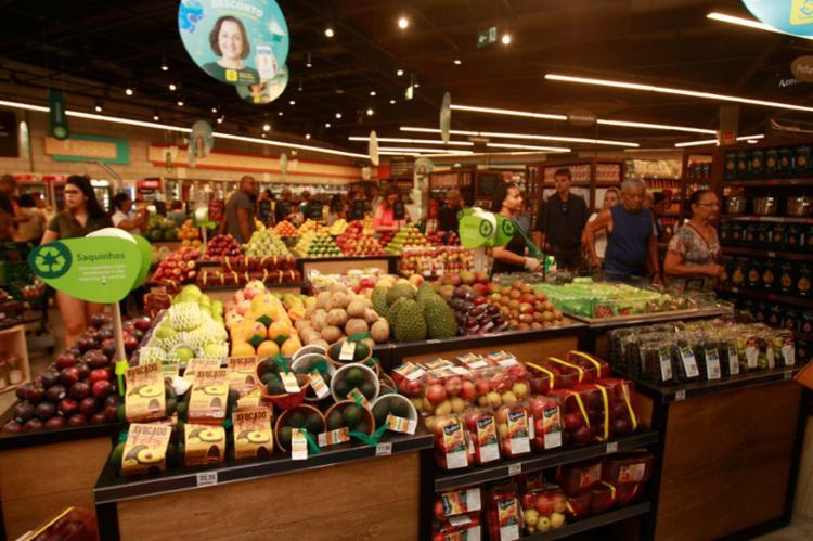 Supermercados também alteraram os horários por conta do Carnaval - Foto: Alessandra Lori | Ag. A TARDE | 14.11.2017