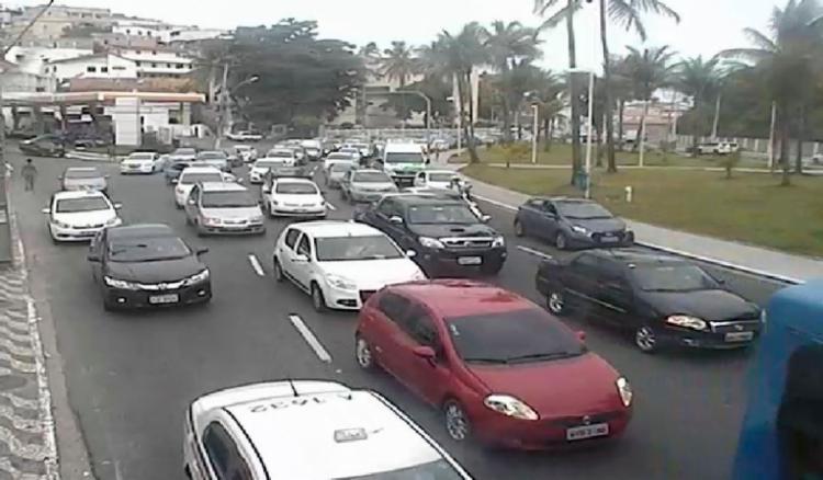Congestionamento já está refletindo na avenida Manoel Dias da Silva, na Pituba - Foto: Divulgação | Transalvador