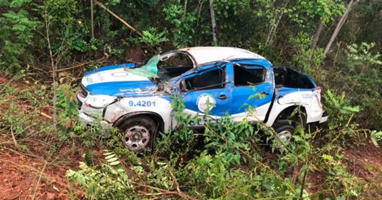 Viatura saiu para fora da pista e ficou parcialmente destruída - Foto: Reprodução | Blog Observador Independente