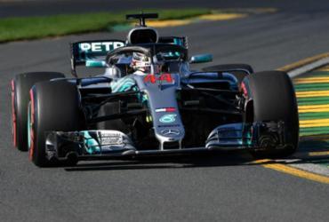 Hamilton se diz desafiado por aproximação de rivais em 2º treino na Austrália   Paul Crock   AFP