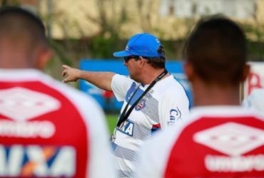 Guto Ferreira aprimora parte tática e bolas paradas no Bahia   Felipe Oliveira l EC Bahia