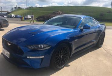 Ford Mustang chega às lojas baianas | Lhays Feliciano | Ag. A TARDE