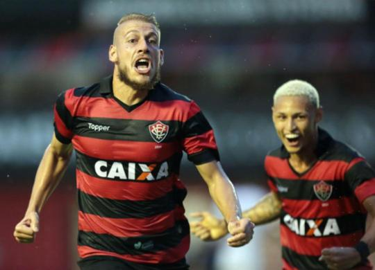 Com dois gols de Neilton, Leão vence o Bahia de Feira e se classifica para final