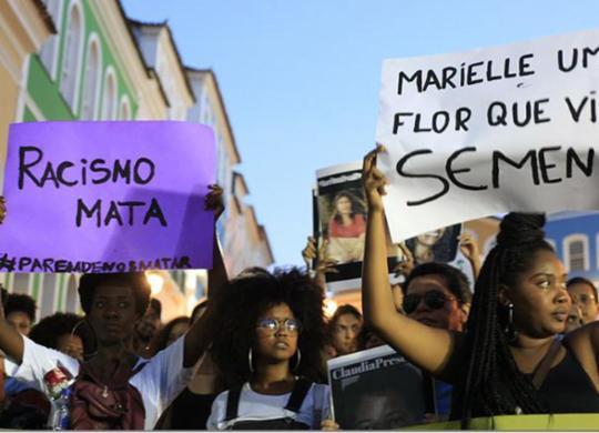 Manifestação e ato inter-religioso lembram morte de Marielle Franco