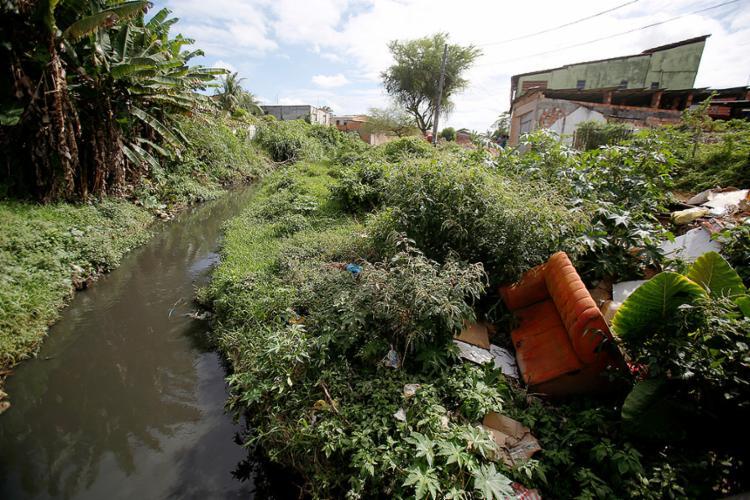 Descarte de esgotamento sanitário em afluentes é uma das causas da degradação