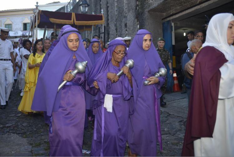 Cortejo saiu da Igreja Nossa Senhora do Carmo para a Catedral Basílica