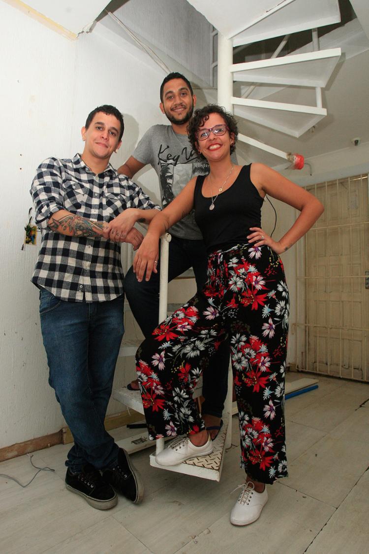 Alexandre, Marcus e Alana: espaço coletivo para novos projetos - Foto: Alessandra Lori l Ag. A TARDE