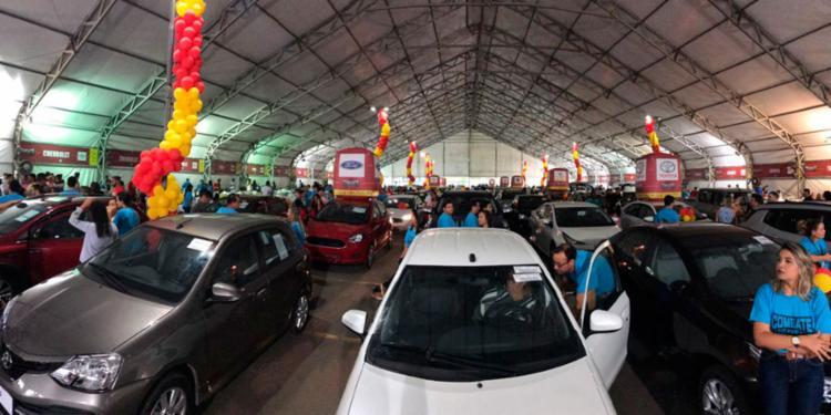 Feirão promete vender carros zero com preço de 2017