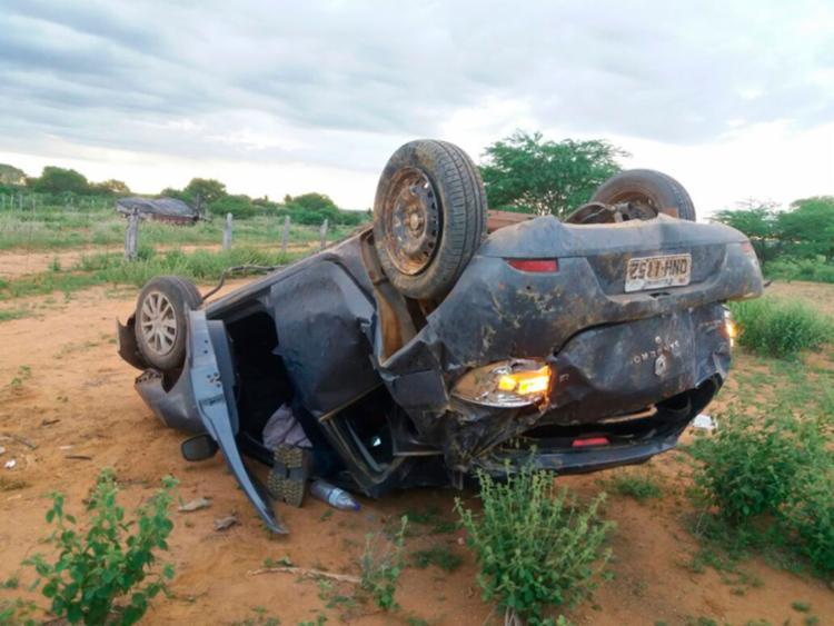 Condutor, que não foi identificado, teve escoriações leves - Foto: Reprodução | Blog do Augusto Urgente