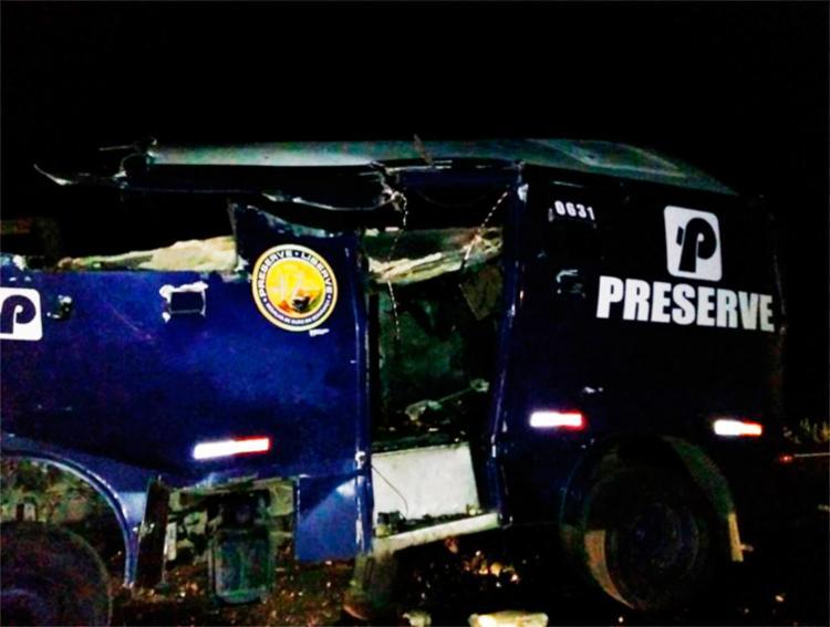 Criminosos estouraram o carro-forte na região do município de Juazeiro - Foto: Reprodução | Blog do Carlos Britto