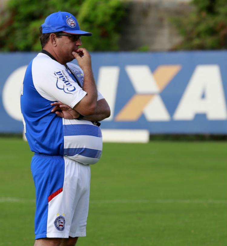 Técnico Guto Ferreira precisará fazer esquema de substituições - Foto: Felipe Oliveira   EC Bahia