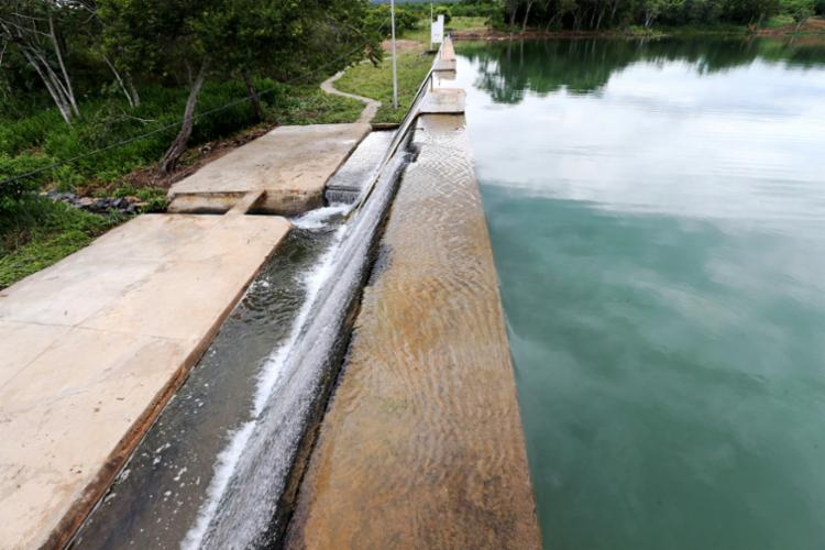 A recuperação da Barragem Cabaceira do Rio Utinga beneficia a população local com mais quantidade de água potável - Foto: Mateus Pereira/GOVBA