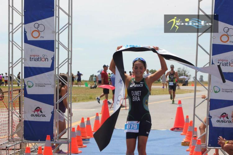 Inscrita na competição, a baiana Beatriz Dumet largou a ginástica pelo triathlon - Foto: Cbtri | Divulgação