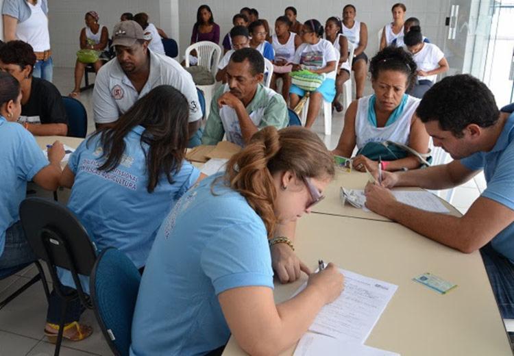 Serão cadastrados cerca de 45 profissionais no CadCidadão - sistema que encaminha-os para programas sociais - Foto: Divulgação