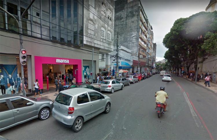 Os suspeitos fugiram com o dinheiro do estabelecimento - Foto: Reprodução | Google Maps