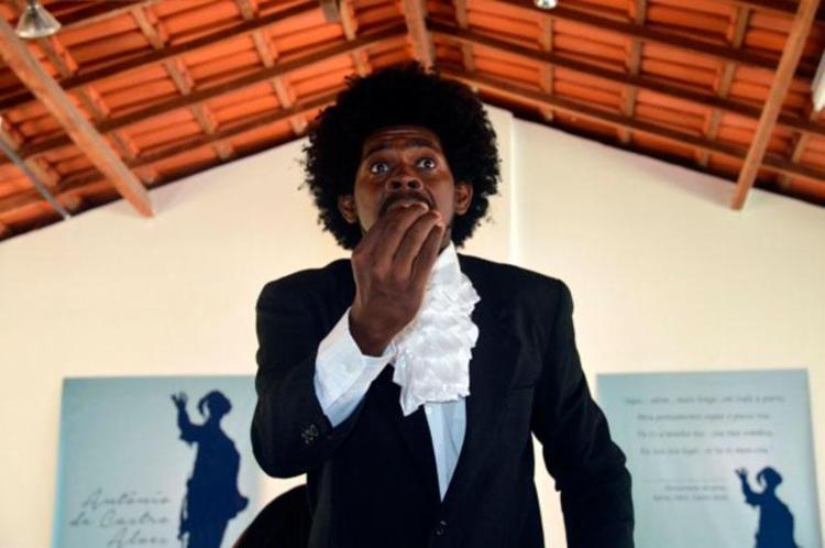 Durante o festival, alguns participantes personificam o próprio poeta Castro Alves - Foto: Divulgação | PHCA