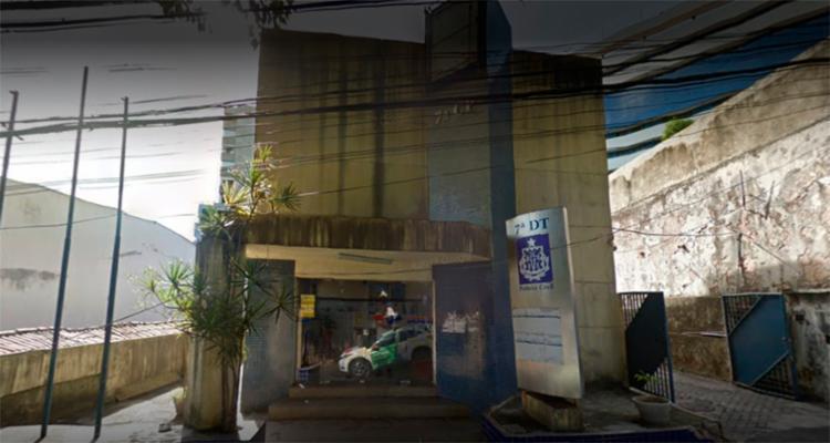 Arthur Ferreira dos Santos foi detido na 7ª DT, onde trabalhava - Foto: Reprodução | Google Maps