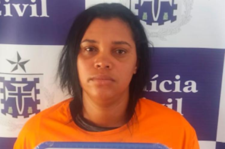Suspeita responderá por tráfico de drogas - Foto: Reprodução | Central de Polícia