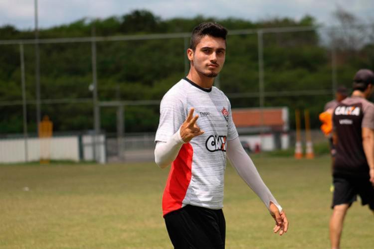 Atacante pode estrear no elenco profissional neste domingo - Foto: Maurícia da Matta l EC Vitória