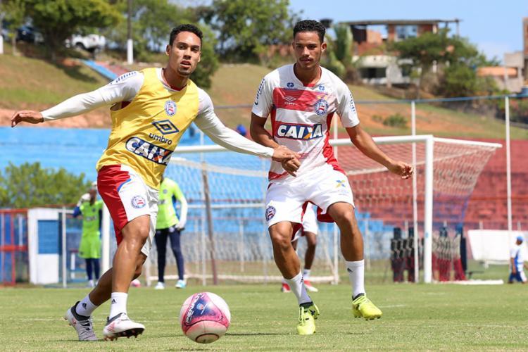 Guto não confirmou Edigar (esq.) no comando de ataque, mas jogador vem de boa atuação - Foto: Felipe Oliveira | EC Bahia