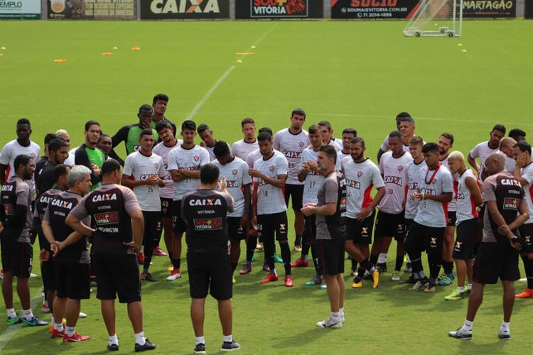 Mancini e seus comandados sabem que precisam garantir bom resultado em Feira - Foto: Maurícia da Matta | EC Vitória