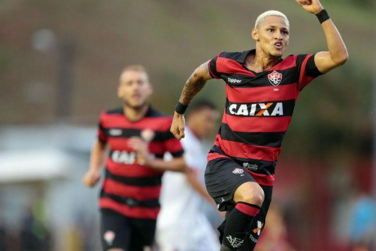 Atacante marcou 13 gols nessa temporada - Foto: Raul Spinassé | Ag. A TARDE