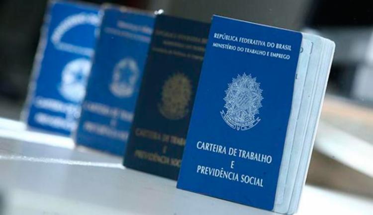 Selecionados terão a Carteira de Trabalho assinada - Foto: Raul Spinassé | Ag. A TARDE