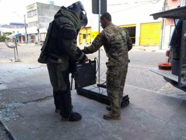 O Bope encontrou os artefatos nos escombros da empresa e em mochilas pela cidade - Foto: Divulgação   Polícia Militar