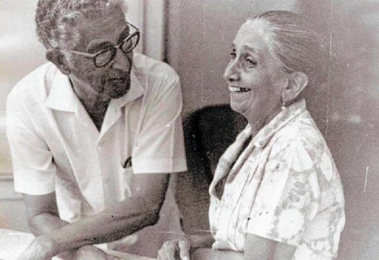 Seu Zeca e Dona Canô, em momento descontraído: casamento durou mais de 50 anos - Foto: Arquivo Pessoal