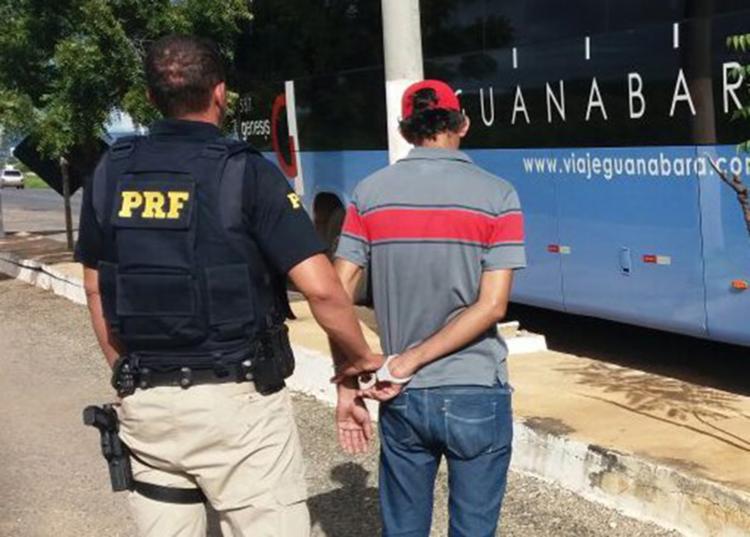 Suspeito foi encontrado dentro de um ônibus interestadual - Foto: Divulgação | PRF