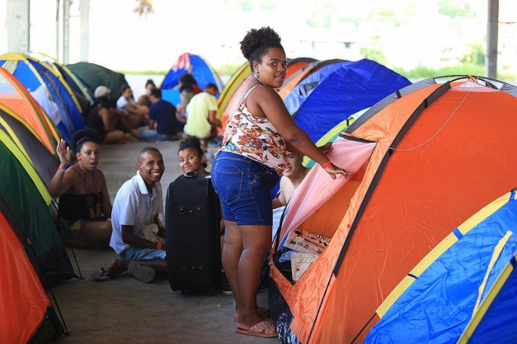 Participantes chegam ao acampamento montado no Parque de Exposições - Foto: Joá Souza l Ag. A TARDE