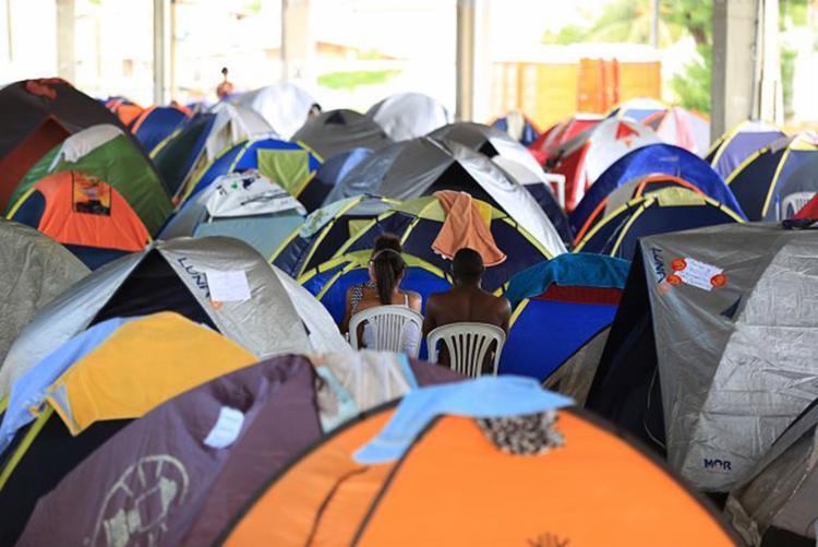 Barracas estão instaladas no Parque de Exposições - Foto: Joá Souza l Ag. A TARDE