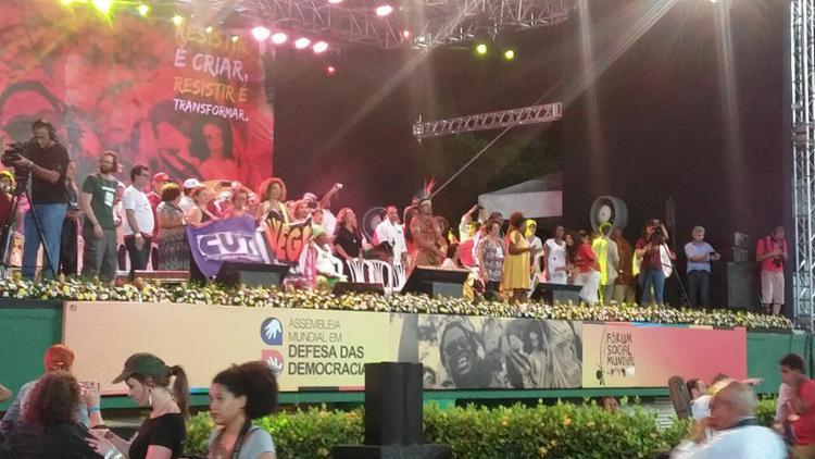 O evento pela democracia acontece no estádio de Pituaçu - Foto: Regina Bochicchio l Ag. A TARDE
