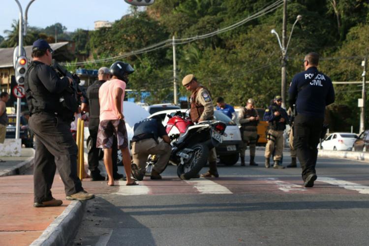 Cerca de 109 pessoas foram presas suspeitas de estarem ligadas diretamente com a prática criminosa - Foto: Divulgação | SSP