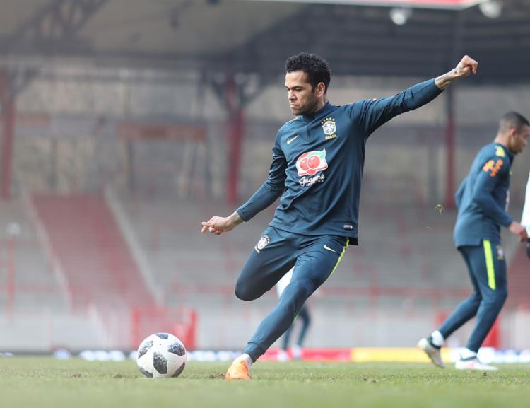 Lateral será capitão na partida desta terça - Foto: Lucas Figueiredo   CBF