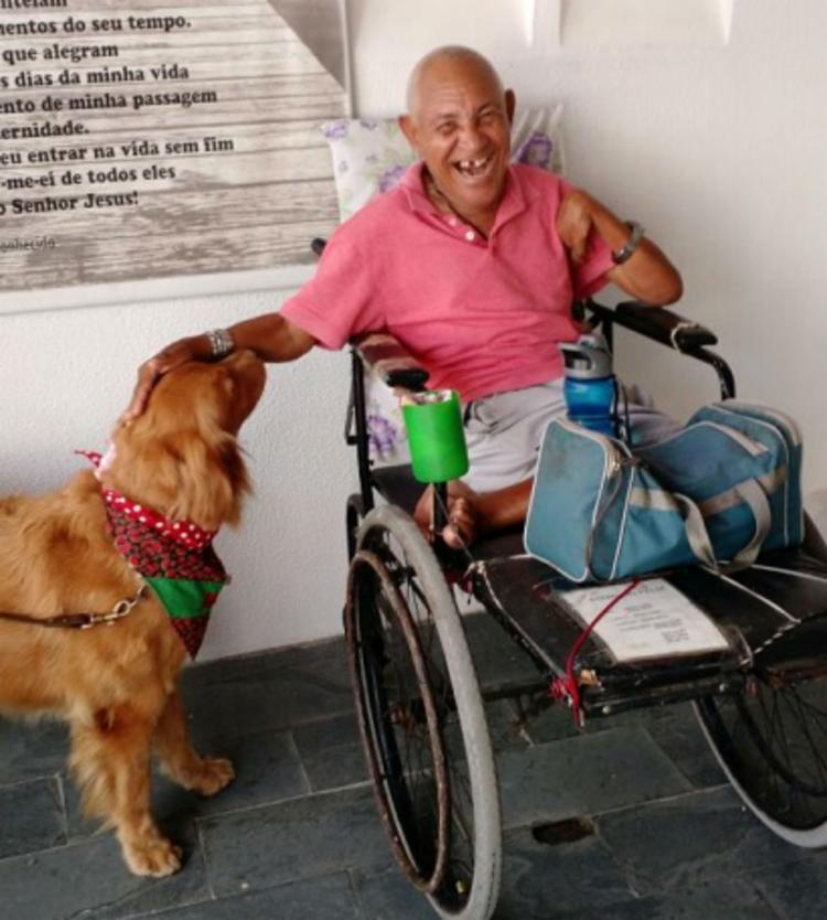 Animais interagem com pacientes para estimular movimentos de alguns músculos paralisados - Foto: Divulgação | SSP-BA
