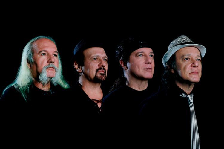 Betinho, André, Aroldo e Armandinho apresentam canções que marcaram 40 anos de carreira - Foto: Felipe Oliveira | Divulgação