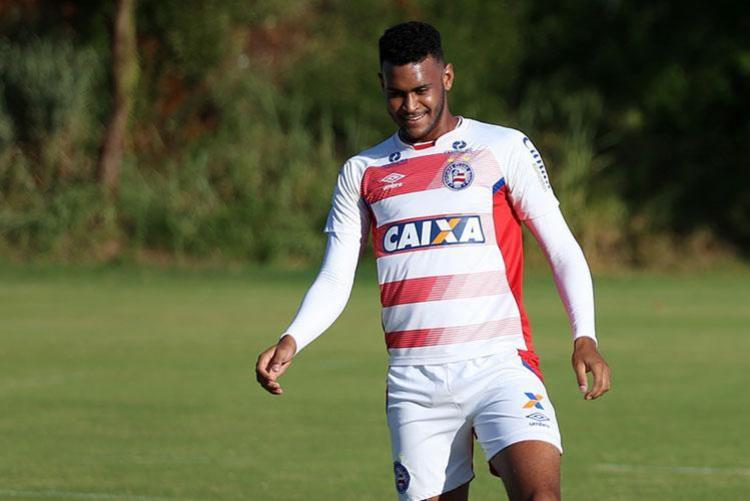 Júnior Brumado tem 18 anos e foi revelado pela base do Esquadrão - Foto: Felipe Oliveira | ECBahia | Divulgação