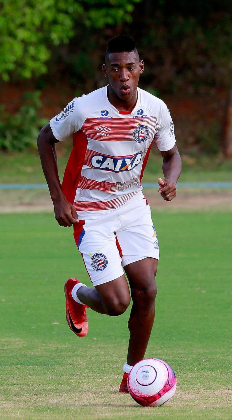 Léo segue como titular da ala esquerda tricolor - Foto: Felipe Oliveira l EC Bahia
