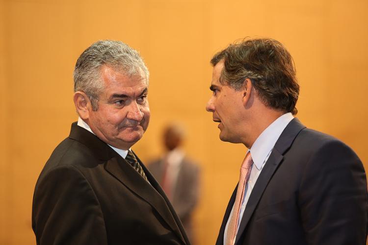 Coronel e Leur Lomanto, no olho do caso da bala perdida - Foto: Joa Souza l Ag. A TARDE