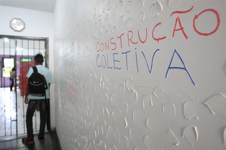 Alexandre, 21, sonha com curso de direito após cumprir medida - Foto: Mila Cordeiro l Ag. A TARDE